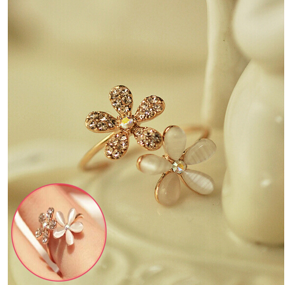 2015 High Quality New Opal Double Daisy Flower Adjustable Ring Cute Brand Design Rhinestone Hot Sale Rings For Women Free(China (Mainland))