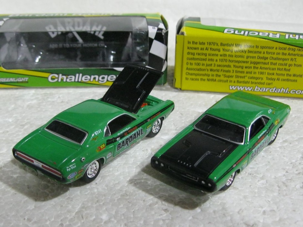 GreenLight 1:64 1970 Dodge Challenger R/T green boutique alloy car toys for children kids toys original box freeshipping(China (Mainland))