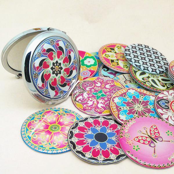 Foldable Colorful Tribal Painting Makeup Mirror Compact Purse Mirror (Random)(China (Mainland))