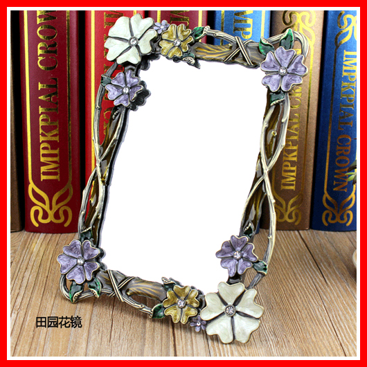 Flower Vanity Makeup Mirror Retro Table Standing Mirror In Bedroom Dressing Framed Mirror Beauty Decorative Cosmetic Mirror(China (Mainland))