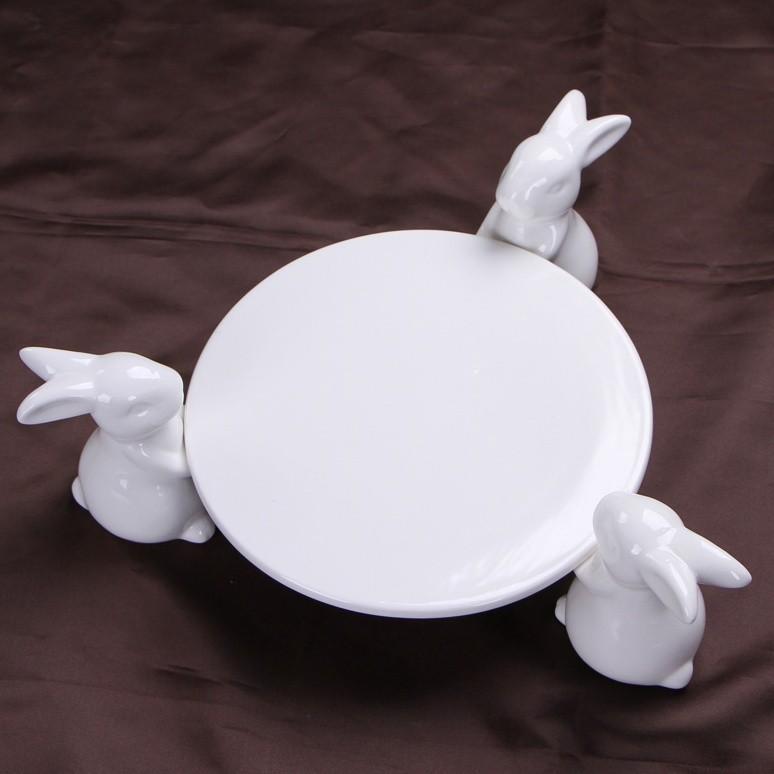 Creative-Ceramics-Rabbit-Figurines-Cake-Stand-Decorative-Porcelain-Bunny-Statue-Fruits-Plate-Dinnerware-Ornament-Gift-and