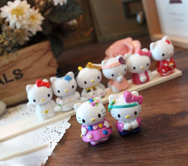 (5 Sets/Lot) 8 Pcs For 1 Set kawaii Hello Kitty Resin Furnishings And Decoration Crafts,Best Gift For Girls(China (Mainland))