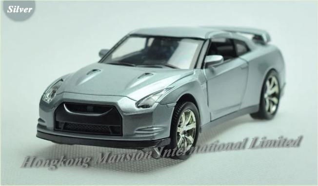132 Nissan GT-R (6)