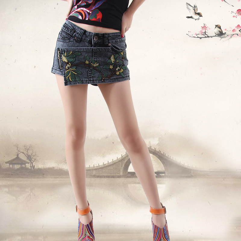 2014 women embroidered jeans shorts vintage denim skirt shorts hot pants bermudas feminino free shipping(China (Mainland))