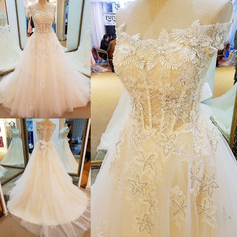 LS61109 Lace wedding dress 2017 lace up back sweeheart A line luxury corsets bridal gowns real photos China online store(China (Mainland))