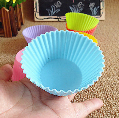 Color send randomly  8pcs Soft Silicone Round Cake Muffin Chocolate Cupcake Liner Baking Cup Mold