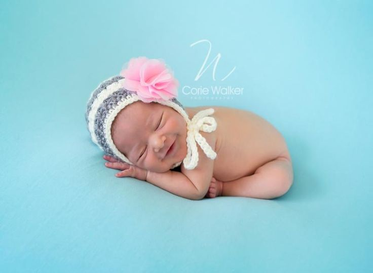 Handmade Crochet Newborn Baby Girl Stripe Pixie Hat With Pink Cloth Flower Newborn Baby Photo Prop(China (Mainland))