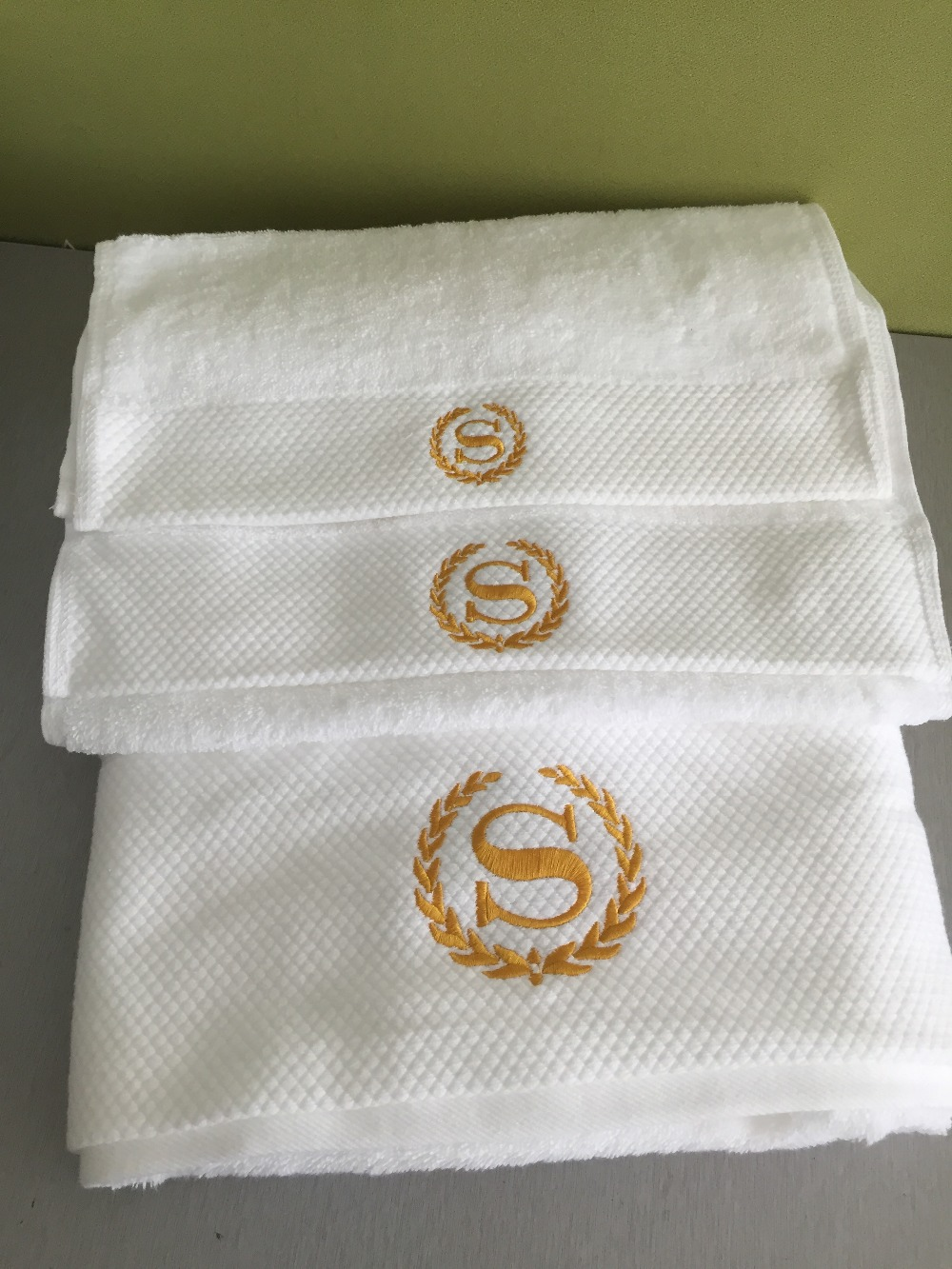 820G 100% Cotton 3 pcs Set Bath + Face + Hand Towels Set Golden S Letter Embroidery White Wash Hotel Beach Towels Home Textile(China (Mainland))