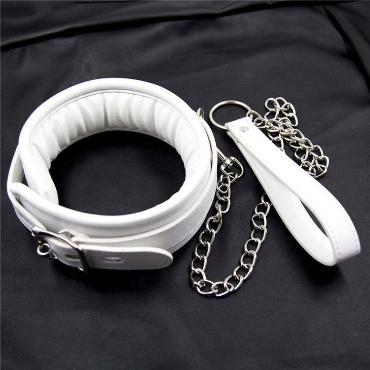 chain collar bondage