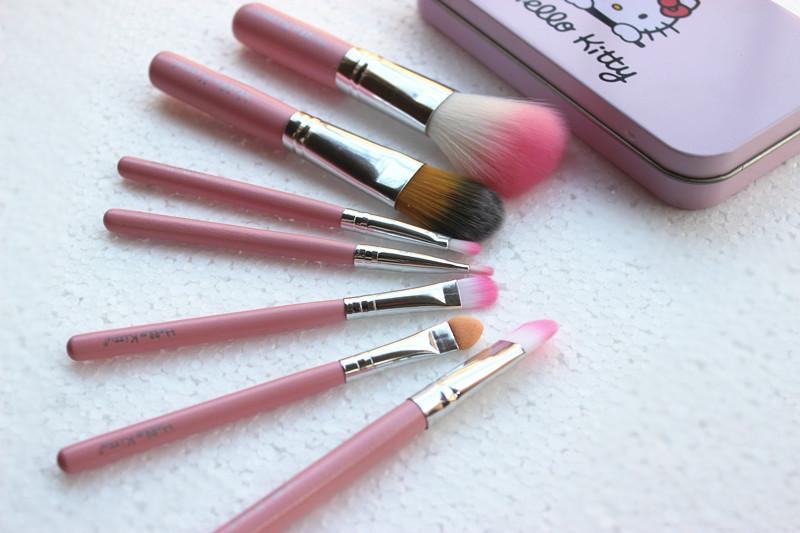 New Hello Kitty 7 Pcs Mini Makeup brush Set cosmetics kit de pinceis de maquiagem make up brush Kit with Metal box.(China (Mainland))