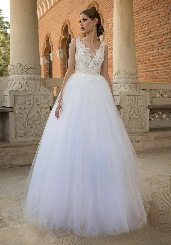 A-line V-neck Off the Shoulder Sleeveless Floor Length Fashion Women Dresses Tulle Lace Overlay Custom Made Wedding Dress(China (Mainland))