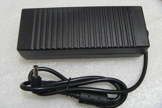 AC-DC 150W(19.5V/7.7A) Switching Power Adapter with 5.5mm/2.5mm PIN Size (110/220V)