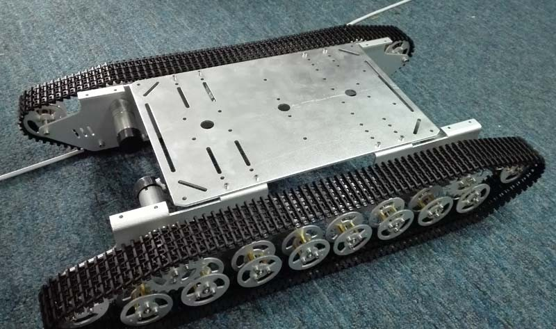 Smart Metal Tank Chassis 4wd Robot Vehicle Mobile Plaform Tractor Aluminum Alloy. Powerful force(China (Mainland))