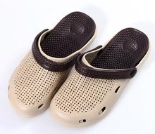 De los nuevos hombres zapatos del agujero del verano zuecos recorte zapatos del jardín de EVA sandalias de playa y zapatillas hombres rainning causual zapatos zapato sólido(China (Mainland))