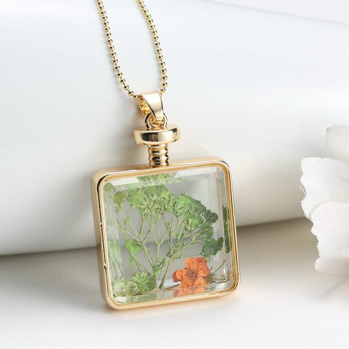Здесь можно купить  5pcs 2015 Design Charm Gold Plated Necklace Square Locket Glass Dried Flower Locket Magnetic Lockets Necklaces Pendant for Women  Ювелирные изделия и часы