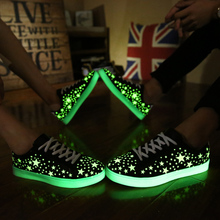 Free shipping Super cheap summer new casual high-quality fashion lover fluorescent ventilation light up shoes men and women