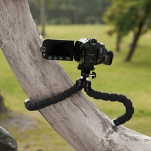 Universal Spong Flexible Mini Tripod Portable Octopus Stand Mount Bracket Holder Monopod For Mobile Phones Cameras Camcorder NEW(China (Mainland))