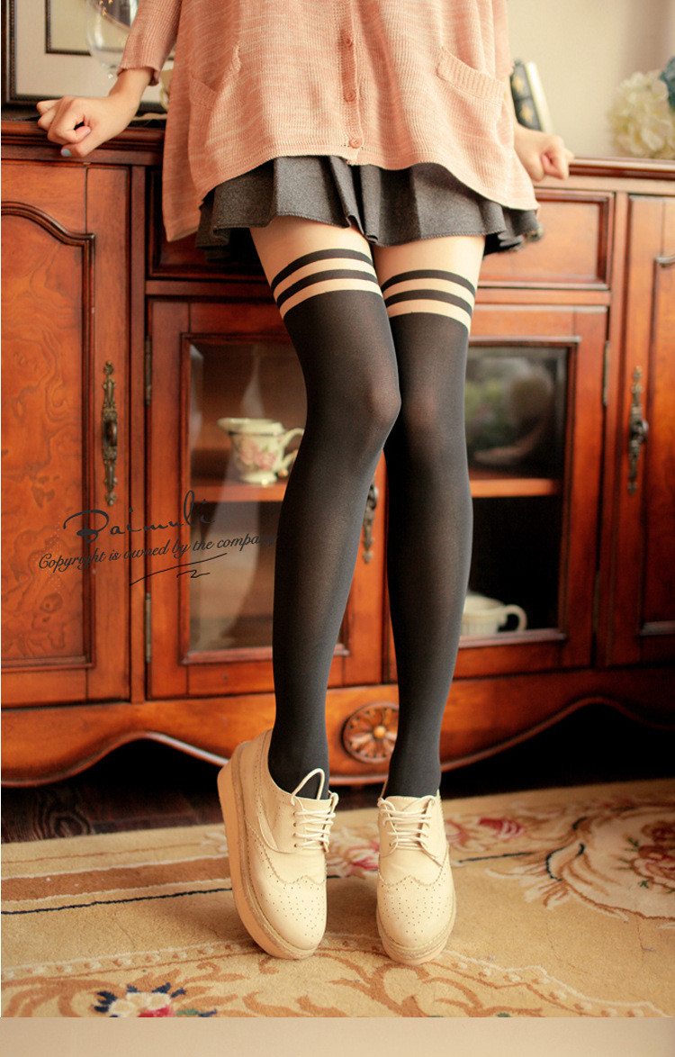Hot New Fashion Cartoon Designs Women Stockings Cute And Sexy Medias High Quality Cheap Sale Gum Plaiting Long Tights(China (Mainland))
