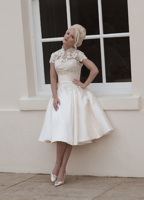 White Ivory Tea Length Wedding Dresses Vintage High Neck Short ...