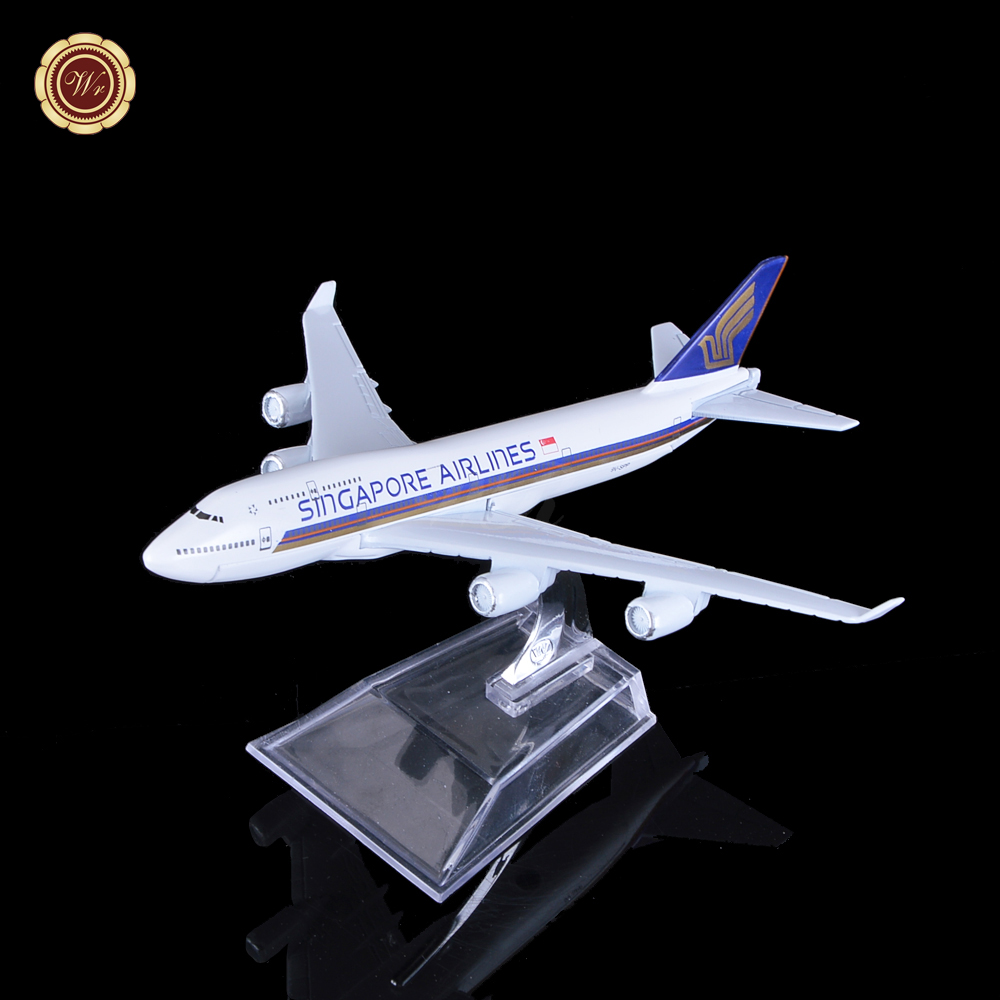 WR 1:400 Model Toy Singapore Airlines Boeing 747 Die-cast Metal Plane Model Stand Kid Christmas Gifts(China (Mainland))