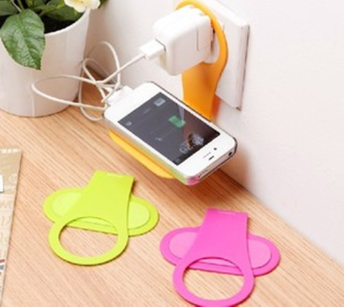 Convenient Mobile Foldable Designed Cell Phone Holder Wall Charger Hanger Charging Rack Shelf Send in random color(China (Mainland))