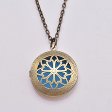 32mm Aromatherapy Lockets Essential Oil Necklace For Pads Diffuser Locket Filigree Perfume Lockets Pendant Necklace 10pcs(China (Mainland))