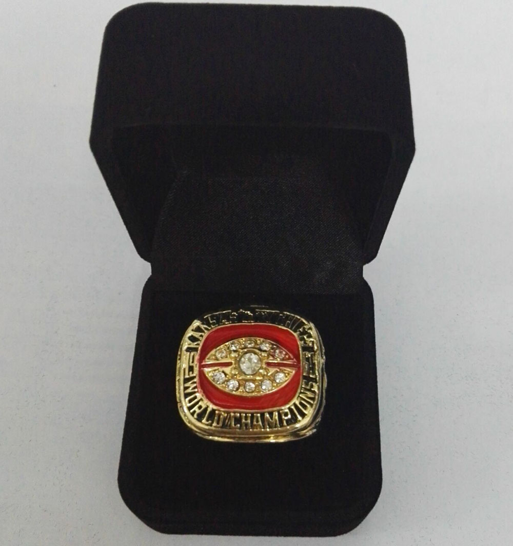 Factory direct sale Velvet boxes with Super Bowl 1969 Kansas City Chiefs gold plated Zinc Alloy Sports Replica Championship Ring(China (Mainland))