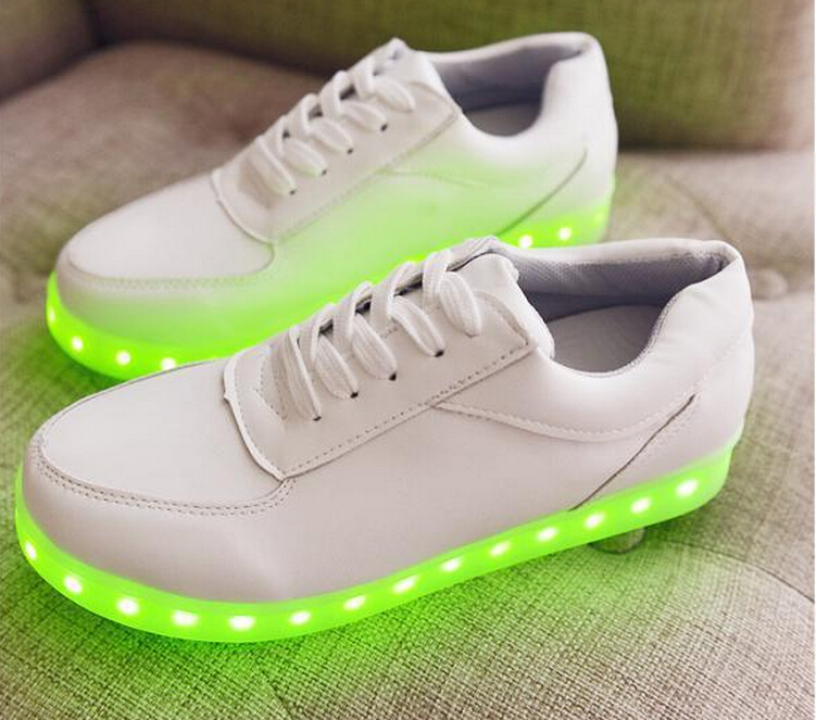 2015 College wind tide explosion models Luminous LED electronic LED lights shoes women shoes sneakers(China (Mainland))