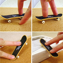 1 PCS New Finger Board Truck Mini Skateboard Toy Boy Kids Children Gift With Free Shipping(China (Mainland))