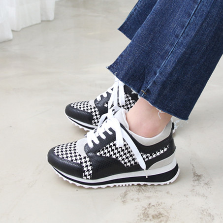 Фотография High quality 2016 Women Sneakers Lace-up Sport Shoes Women Comfortable Running Shoes f-025