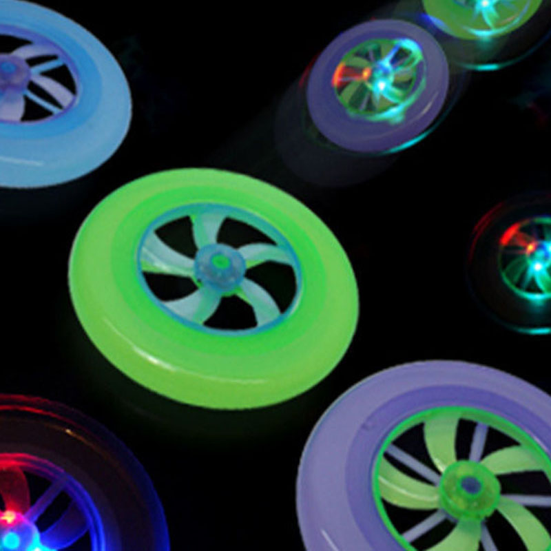 Plastic Colorful flash UFO Frisbee LED flash Luminous Fluorescent children baby shower toys party birthday favor gifts(China (Mainland))