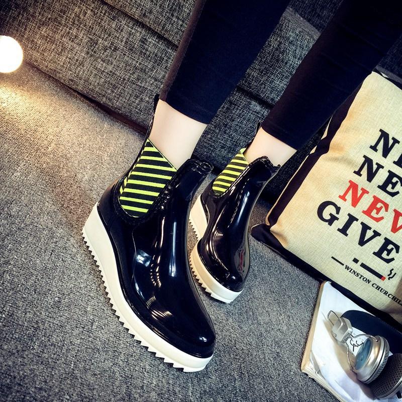 2016 Women Rain Boots Mid Calf Platform Shoes Round Head Wedges Rubber Short Boots Fashion Water Shoes Botas De Lluvia NX48(China (Mainland))