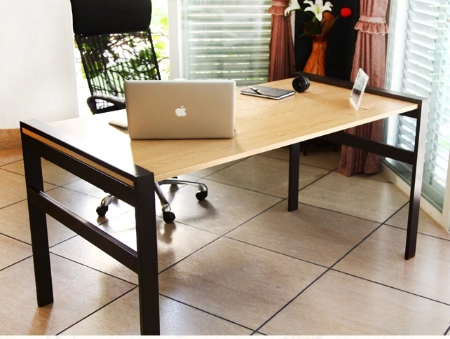 ikea computer desk simple minimalist modern wood desk desk. Black Bedroom Furniture Sets. Home Design Ideas