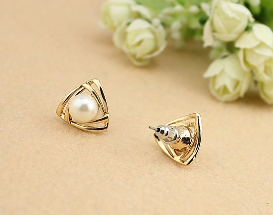 F07008 Fashion Lady Alloy Venetian Pearl Dual Triangle Design Ear Stud Ring Earrings for Women + US freeshipping(China (Mainland))