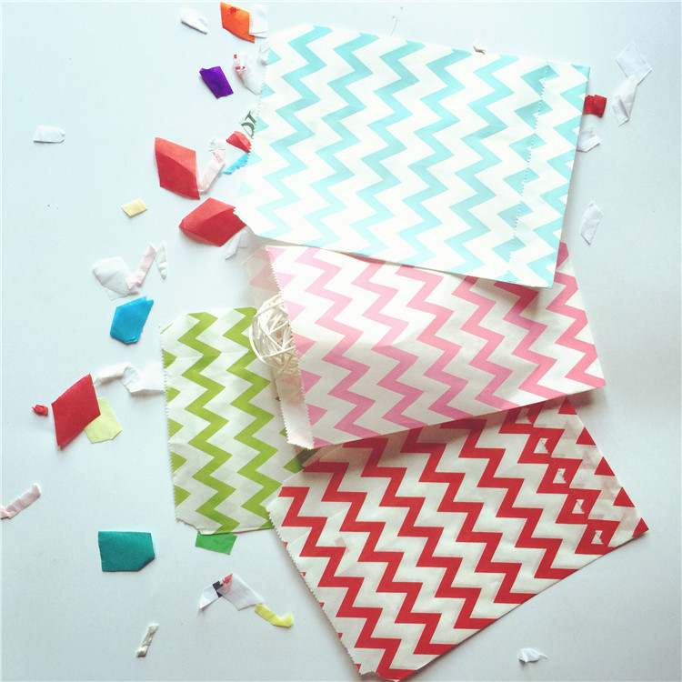 Event Party Supplies 5*7 inch 25pcs/ lot Chevron Porpcorn Candy Kraft Paper Treat Favor Bag Coodie Gift Bags for Decoration(China (Mainland))