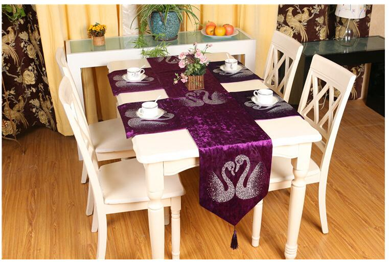 Elegant exquisite table runner diamond table flag hotel restaurant paillette table clothes for party home decor(China (Mainland))