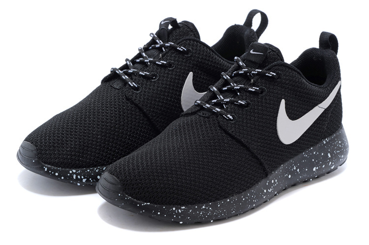 Nike Shoes With Dots