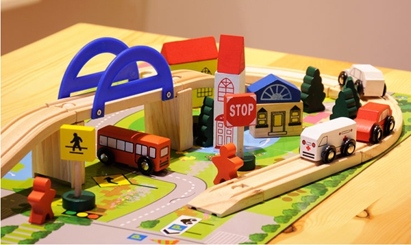 Urban rail interchange traffic scene wooden toy train Mini Puzzle Train Set Track Toy for Kids  (China (Mainland))