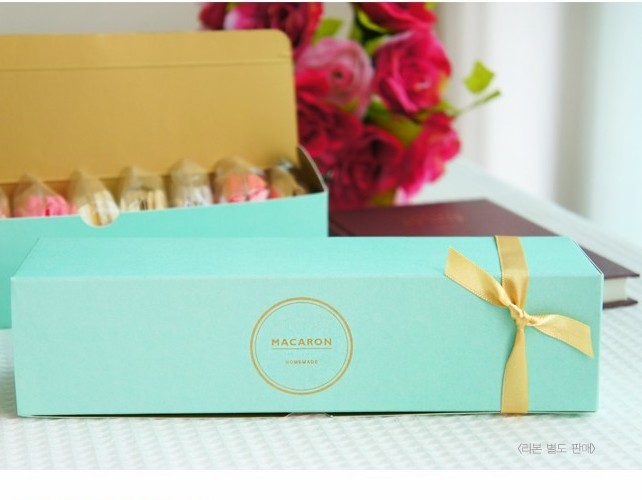 New arrival free shipping brief elegent gold stamp macaron box moon cake biscuit box(China (Mainland))
