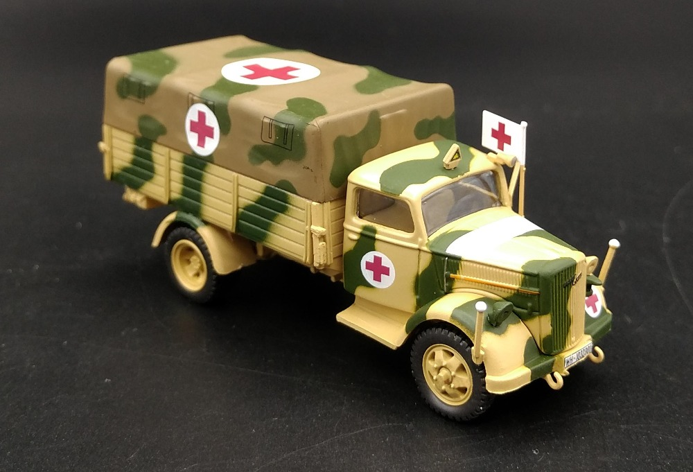 IXO 1:72 World War II the Germans Opel truck transport ambulance personnel carrier model Alloy Finished Product Model(China (Mainland))