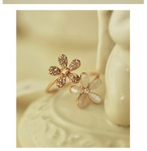 Opal Double Daisy Flower Adjustable Ring Cute Brand Design Rhinestone Hot Sale Rings For Women(China (Mainland))