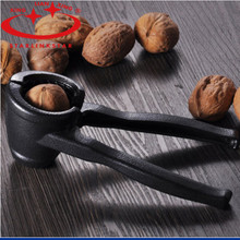 1Pc Metal  Quick Walnut Nut Cracker Nuts Sheller Cracker Opener Plier Fruit Tool Kitchen Accessories(China (Mainland))