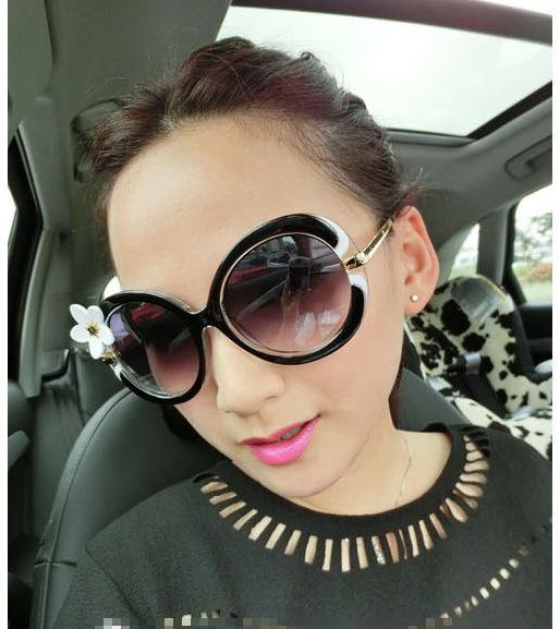 2015 New Summer Flower Goggles Sun Glasses Big Frame UV400 Sunglasses For Women Oculos(China (Mainland))