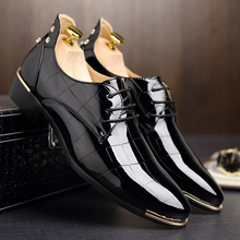 size 37-44 Korean version trend men rivets oxfords Fashion lace up pointed toe patent leather shoes Casual rubber men shoes Z262(China (Mainland))