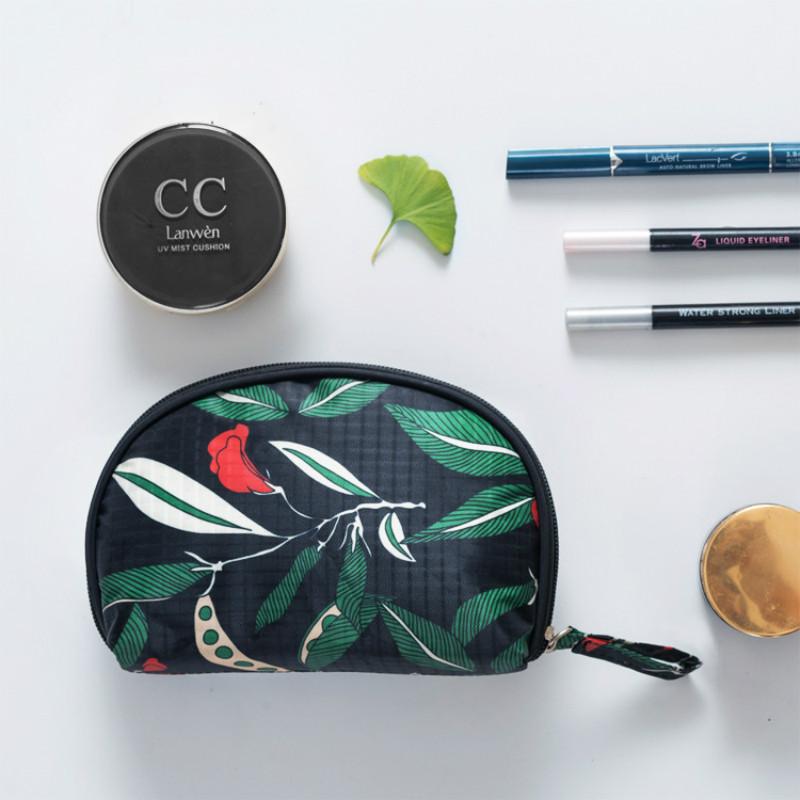 Portable Shell Cosmetic Bag Korean Hand Semi-circle Organize Cosmetics Sundry Goods Storage Bag Home Travel Essentials(China (Mainland))