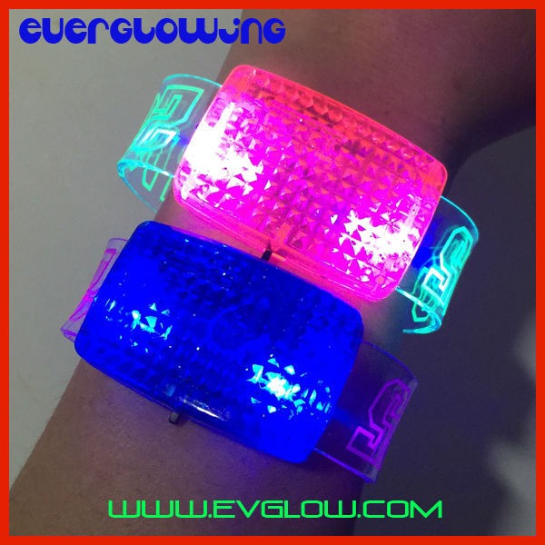 free shipping 960pcs/lot 2015 sound activated led bracelet flash wrist band glow bracelet light up bracelet well for christmas(China (Mainland))