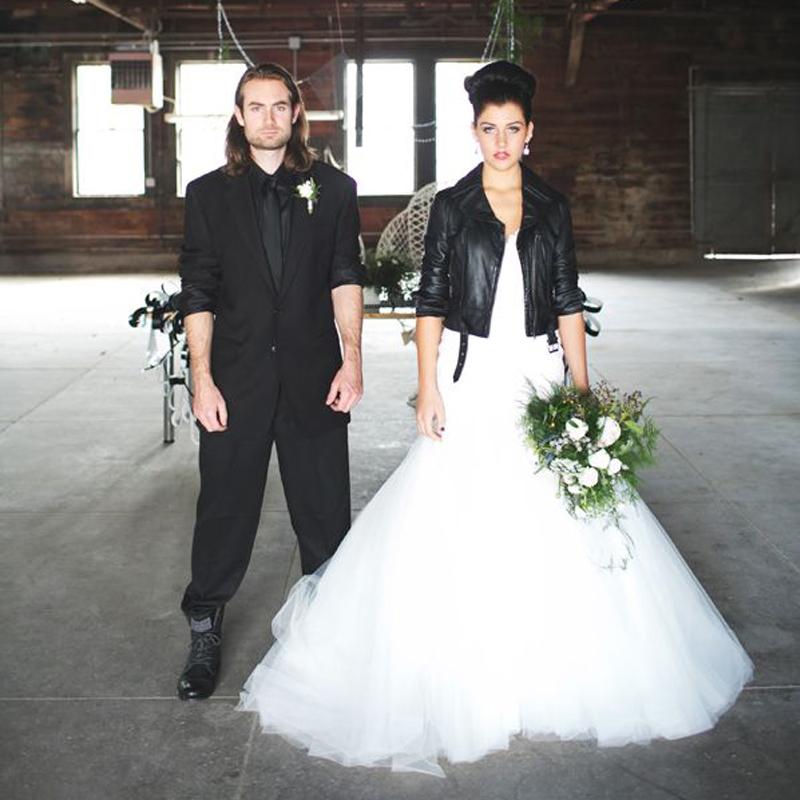 Rock and roll bride dresses weddings dresses for Rock n roll wedding dress