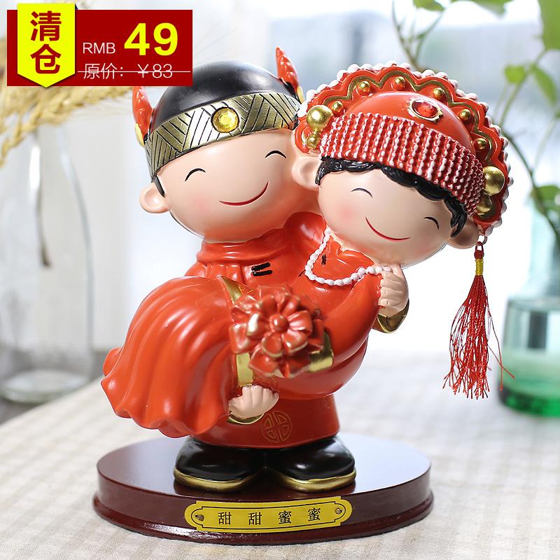 Furnishing wedding decorations Qing sent his girlfriend doll fashion wedding celebration gift resin decoration gifts(China (Mainland))