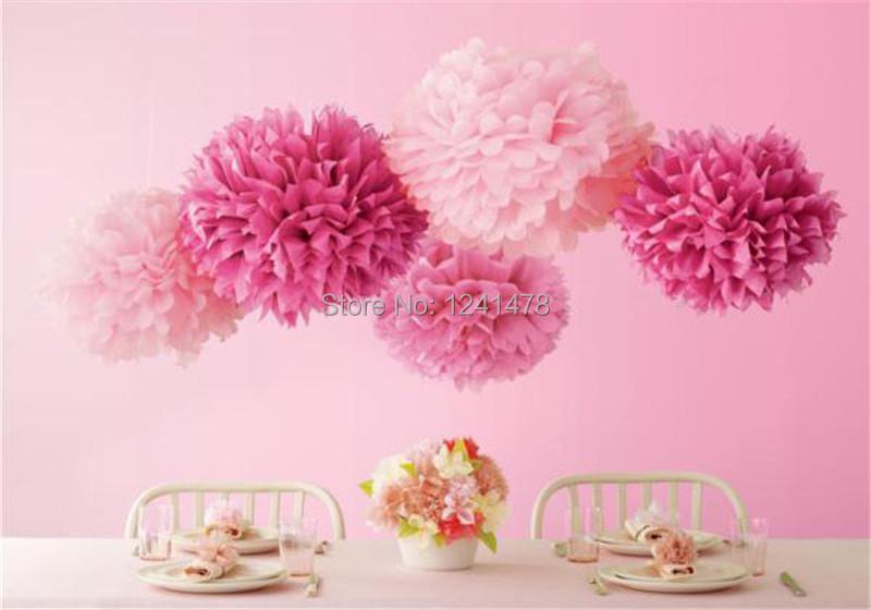 Как украсить комнату бумажными цветами