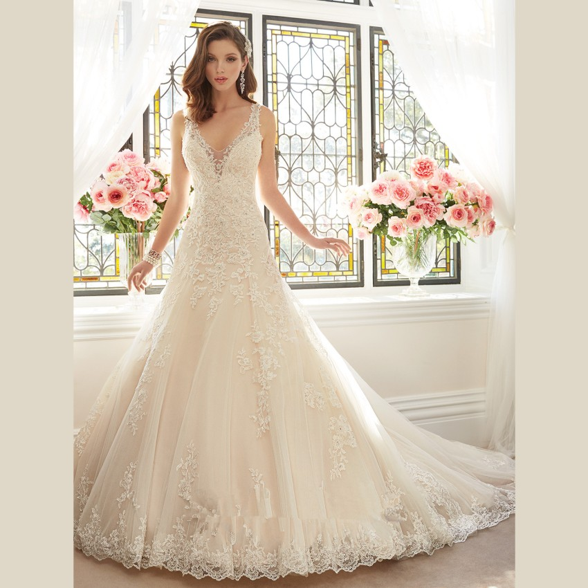 luxury white lace wedding dress court train crystals wedding gowns